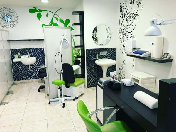 Fleur de Lis Pattern Nail Salon Wall Art